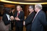 En pleine conversation – le président Cecil Rorabeck, Paul Gamble, directeur, Activités internationales et RCI et moi.